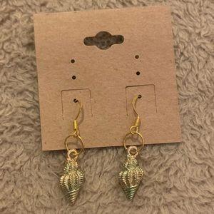 Vintage handmade seashell earrings